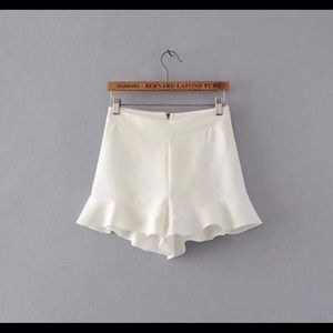 Zara White ruffle shorts
